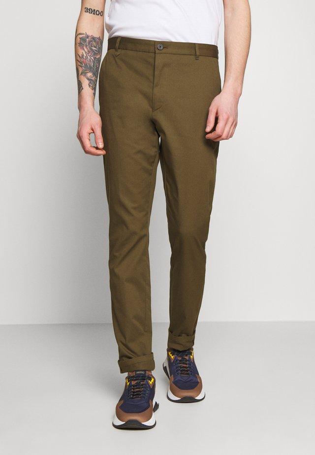 HELDOR - Pantalones chinos - dark beige