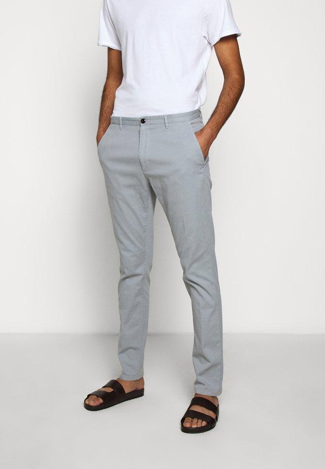 GLEN - Chino - medium grey