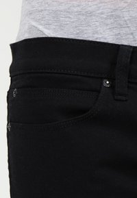 HUGO - Jeansy Slim Fit - black - 3