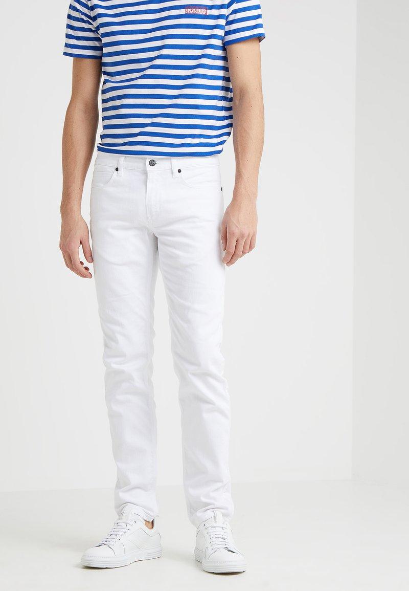 HUGO - Slim fit jeans - white
