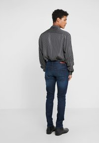 HUGO - Jean slim - dark blue - 2