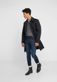 HUGO - Jean slim - dark blue - 1