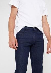 HUGO - Jean slim - dark blue - 3