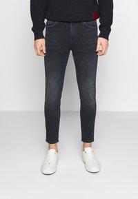 HUGO - Zúžené džíny - dark blue - 0