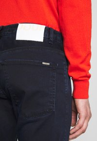HUGO - Jeans Slim Fit - dark blue - 3