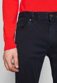 HUGO - Jeans Slim Fit - dark blue - 5