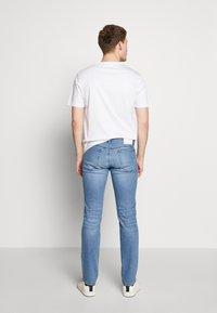 HUGO - Slim fit jeans - bright blue - 2