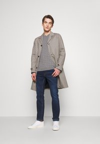 HUGO - Slim fit jeans - navy - 1