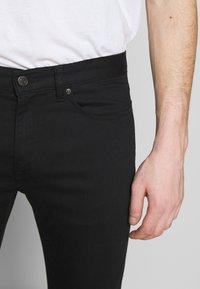 HUGO - Jeansy Slim Fit - black - 5
