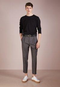 HUGO - DEROL - Long sleeved top - black - 1