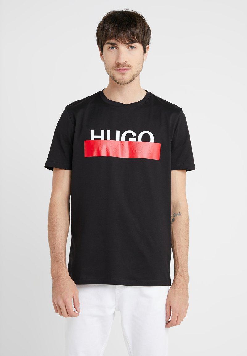 HUGO - DOLIVE - T-shirt imprimé - black