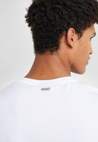 HUGO - ROUND  - T-shirt basique - black/white - 5