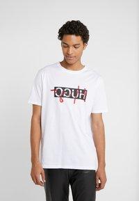HUGO - DICAGOLINO - T-shirt print - white - 0