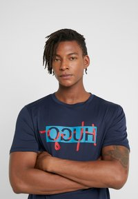HUGO - DICAGOLINO - T-shirt print - dark blue - 3