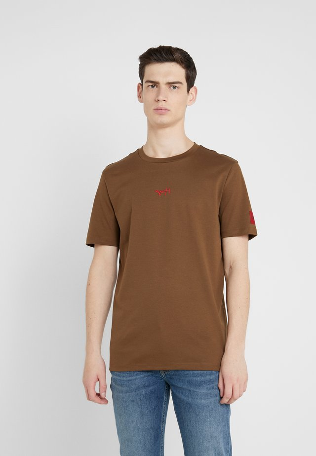 DURNED - T-shirt imprimé - medium brown