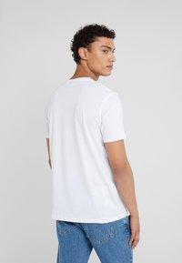 HUGO - DOLIVE - Camiseta estampada - white - 2