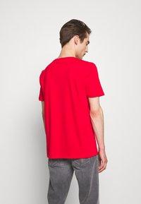 HUGO - DERO - Jednoduché triko - open pink - 2