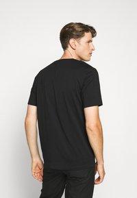 HUGO - DERO - Basic T-shirt - black - 2