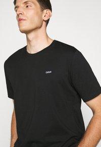 HUGO - DERO - Basic T-shirt - black - 3
