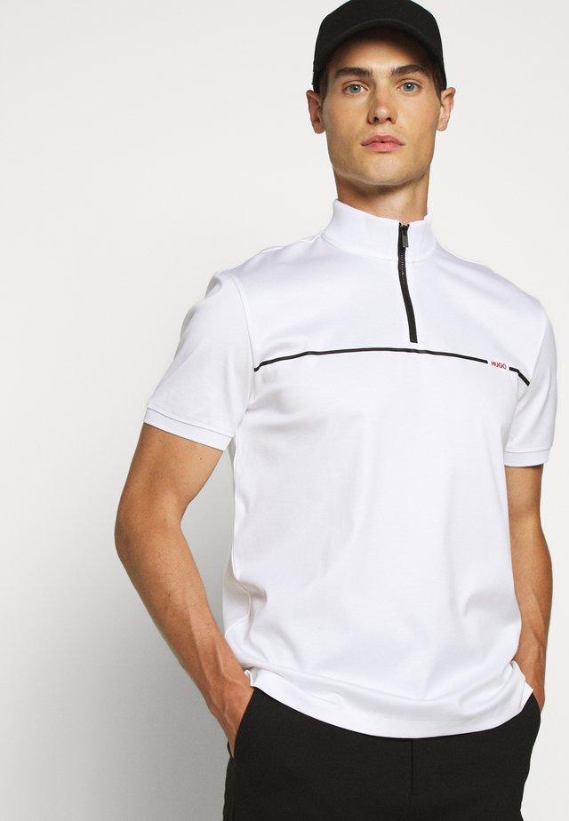 DAXHAM - T-shirts med print - white