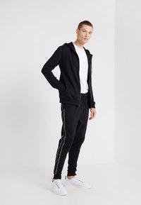 HUGO - DAPLE - Zip-up hoodie - black - 1