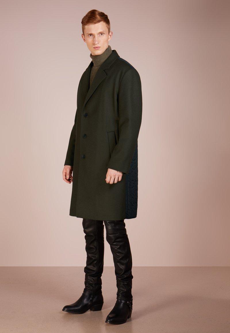 HUGO - MALOX - Zimní kabát - dark green