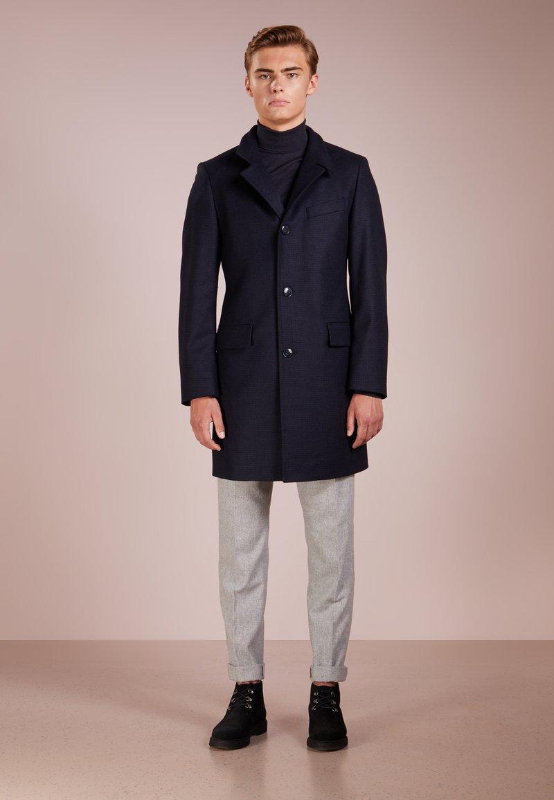 HUGO - MINTRAX - Frakker / klassisk frakker - dark blue