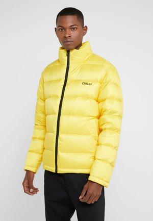 BIRON - Gewatteerde jas - yellow