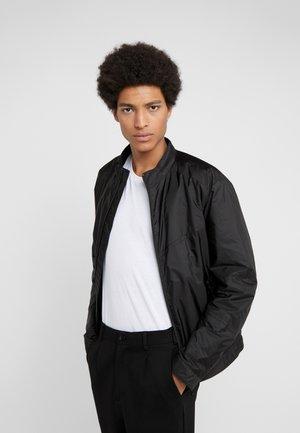 BOLVERK - Lehká bunda - black