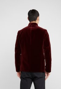 HUGO - APINO - Americana - dark red - 2