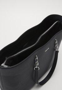 HUGO - VICTORIA CHAIN - Shopping Bag - black - 4