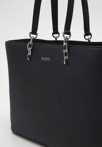 HUGO - VICTORIA CHAIN - Shopping Bag - black - 3