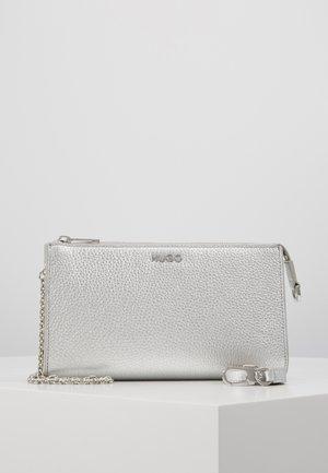 VICTORIA MINIB  - Across body bag - silver