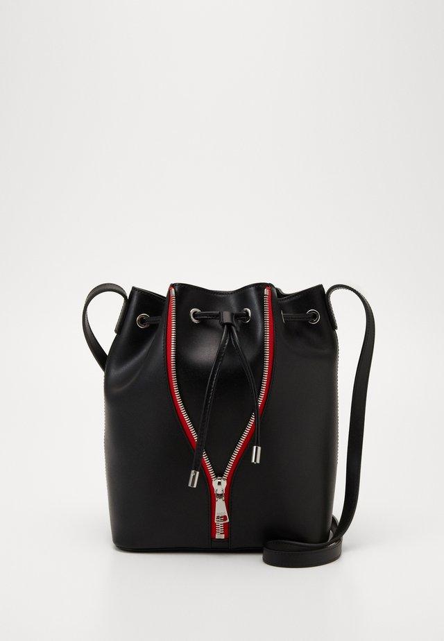 ISABEL DRAWSTRING - Across body bag - black