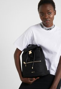 HUGO - MEGAN BACKPACK  - Reppu - black - 1