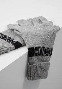 HUGO - WOLO - Guantes - medium grey - 4
