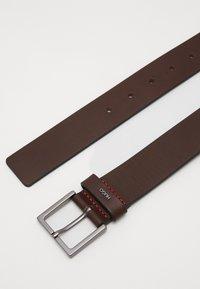 HUGO - GIOVE - Pásek - dark brown - 3