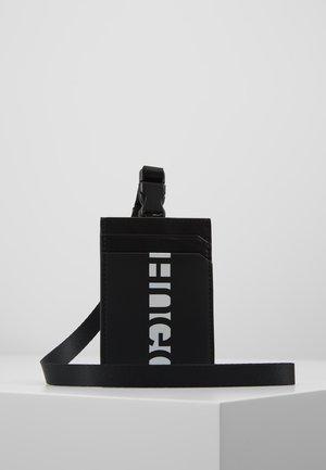 U-BAHN CARD HOLDER  - Pouzdro na vizitky - black