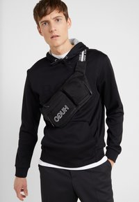 HUGO - RECORD WAISTBAG - Rumpetaske - black - 1