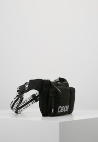 HUGO - RECORD WAISTBAG - Ledvinka - black - 3