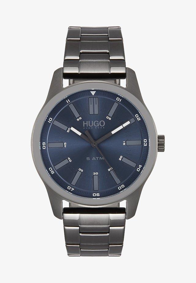 RISE - Klocka - grey