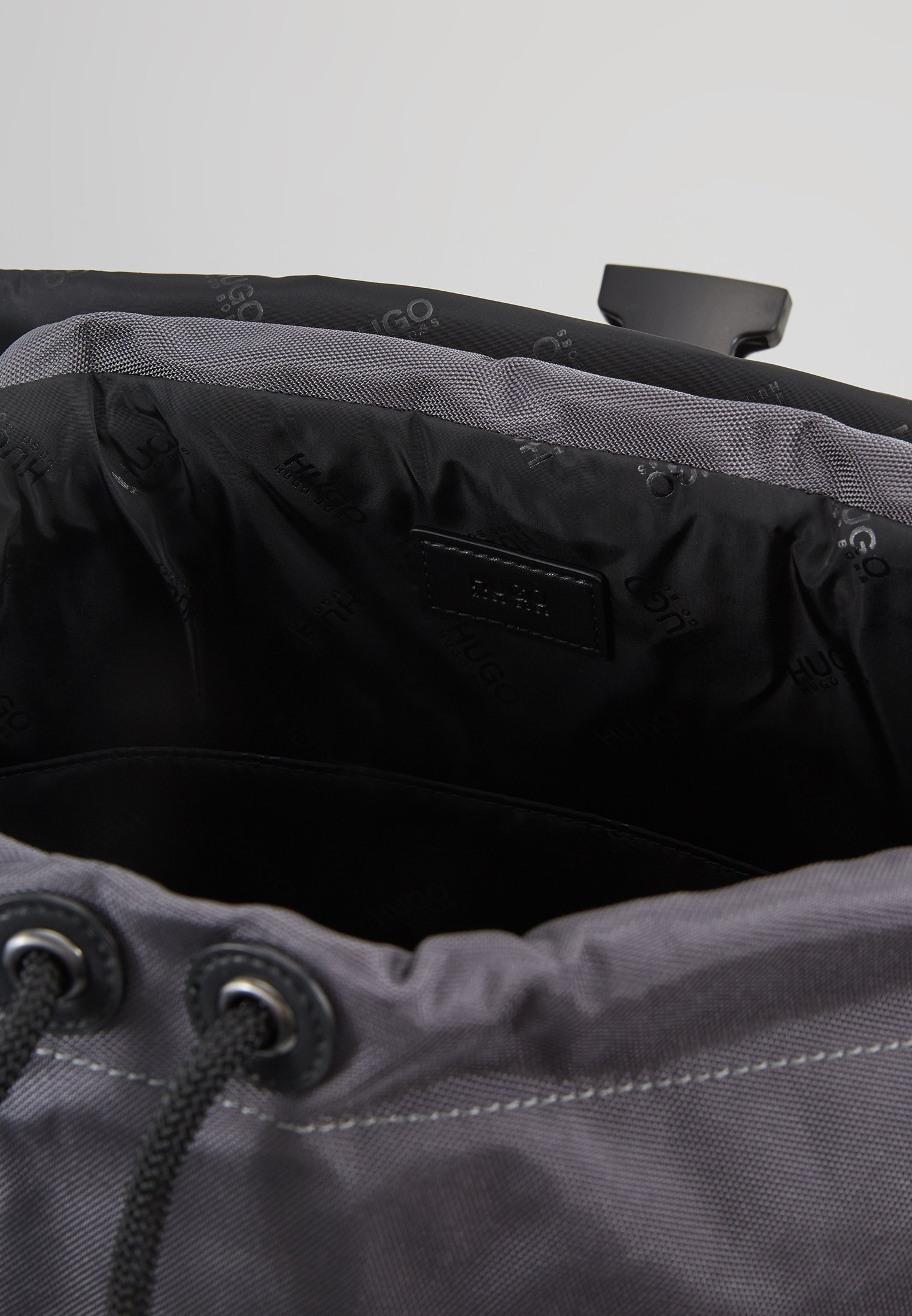 Kombinat BackpackSac À Hugo Dos Dark Grey F1JTlKc3