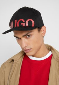 HUGO - MEN-X - Lippalakki - black - 1