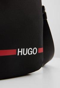 HUGO - RECORD ZIP - Borsa a tracolla - black - 7