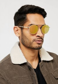 HUGO - Sonnenbrille - gold-coloured - 1