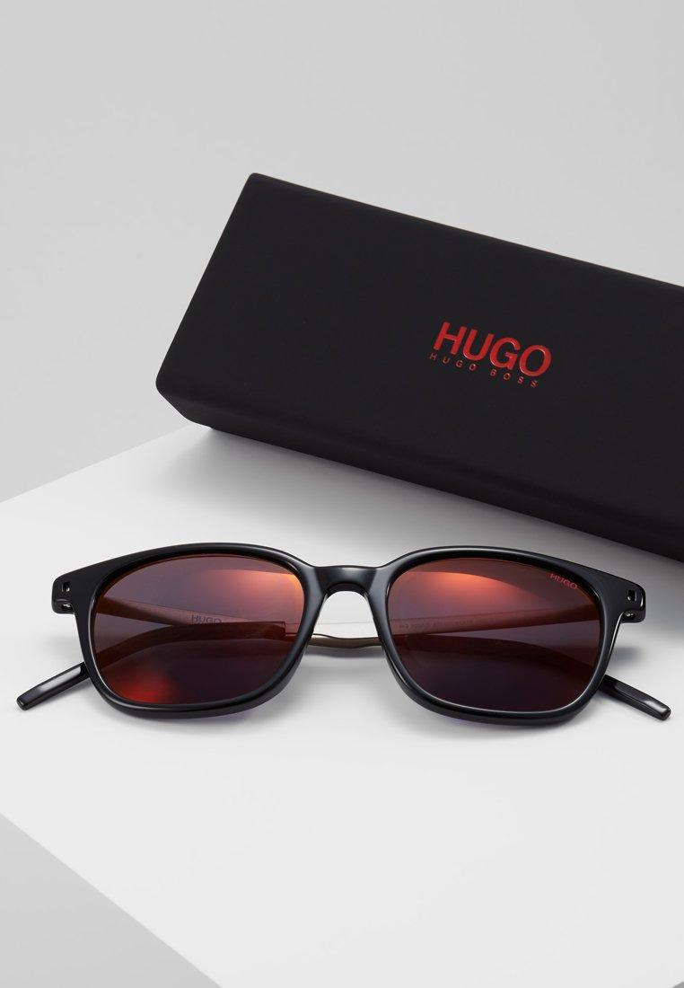 Hugo Hugo Lunettes De Black Soleil Lunettes Black Soleil De Hugo mwN80n