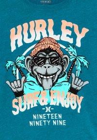 Hurley - MONKEY BIZ - T-shirt print - tropical teal heather - 3