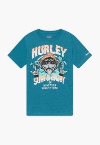 Hurley - MONKEY BIZ - T-shirt print - tropical teal heather - 0