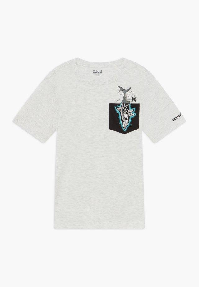 X-RAY - T-shirts med print - birch heather