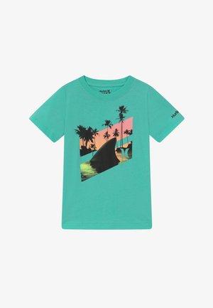 SHARK SLASH  - T-shirt print - tropical twist